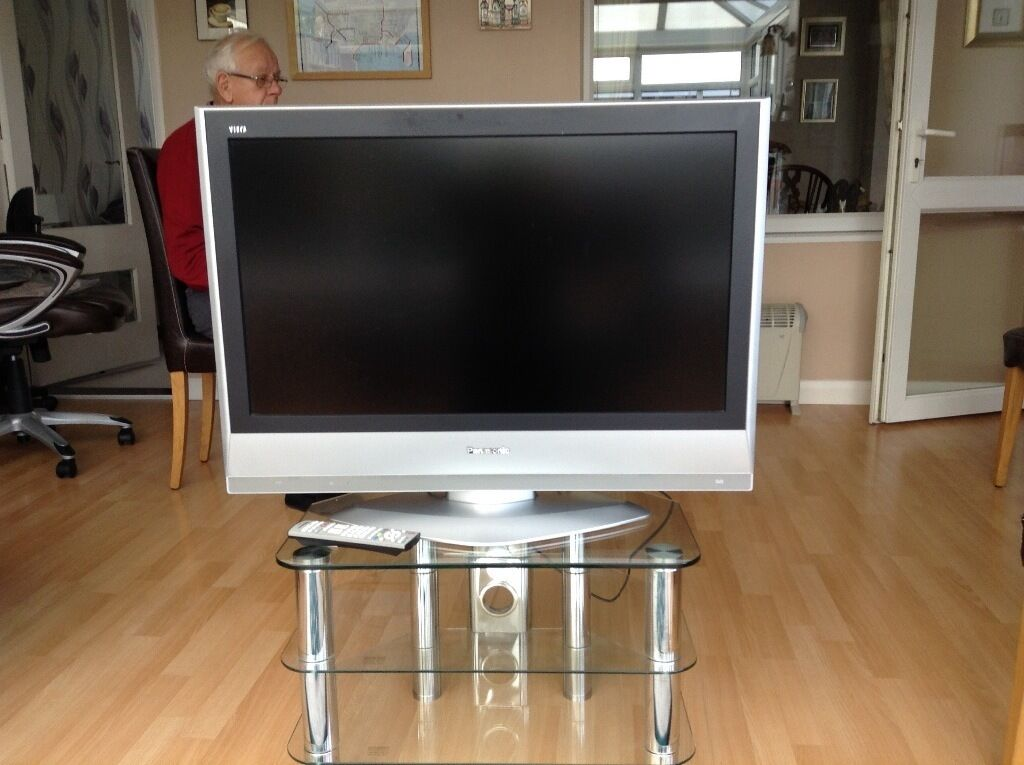 "Panasonic television LCD 32"" on stand"