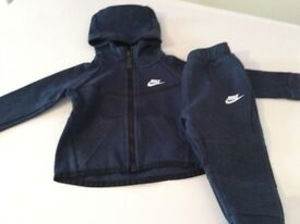 Nike tech tracksuit 12/18 months