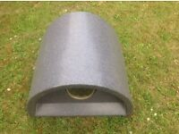 Lightweight outdoor cat igloo with flap. Silver grey. UK made Cosycat