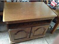 Mid oak tv cabinet