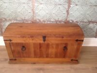 Wood trunk/chest