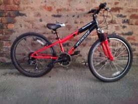 Specialized hotrock boys 24inch wheel mountain bike suit 7-13yrs *postage available