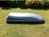 Halfords aerodynamic full width roof box. Side opening on both sides. Length 225cm x 80 width.