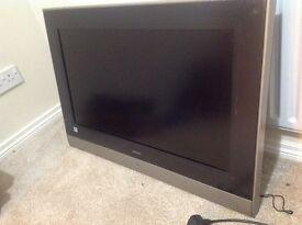 32inch HD ready Hitachi to and will stand.