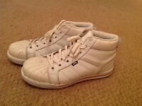 Safety boots - White -size 9