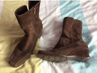 Ladies brown suede boots size 4
