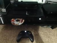 Xbox One 500GB with Kinect + Grand Theft Auto 5 + One controller