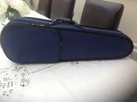 1/4 violin lovely little violin in solid blue and black carrying case, ideal beginner.