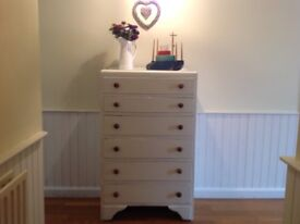 LARGE VINTAGE 6 DRAWER CHEST OF DRAWERS HAND PAINTED IN LAUA ASHLEY, SHABBY CHIC STYLE.
