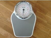 SALTER WEIGHING SCALES.