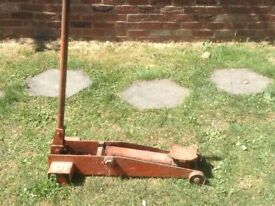 Heavy Duty Trolley Jack.Needs full service.Only £10.00