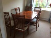 Extending Dining room table with 6 chairs very good condition