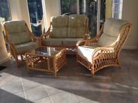 Conservatory suite, settee & 2 chairs & coffee table