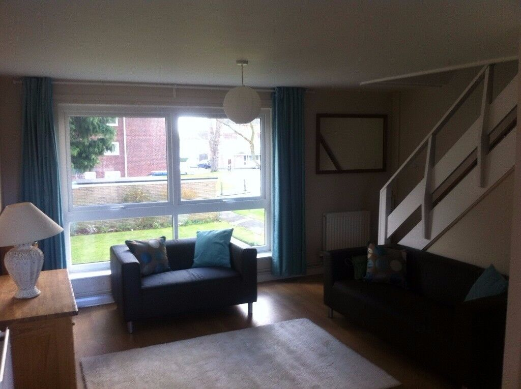 Two bedroom apartment in Cowley Oxford.