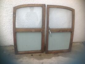Classic Morris minor traveller rear pair doors really good condition no rot