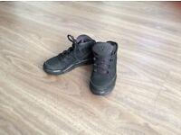 Boys black Jordan's size13 Excellent condition