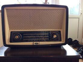 Vintage 1950s GEC valve radio
