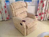 HSL Linton Catch Recliner Armchair in Very Good Condition