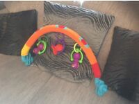 Baby play arch