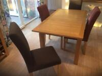 Dining table and chairs Sandhurst, Berkshire