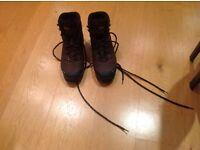 Miendl walking boots, size 9
