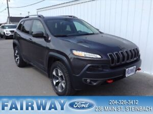 2016 Jeep Cherokee 4x4 Trailhawk V-6 AWD Leather