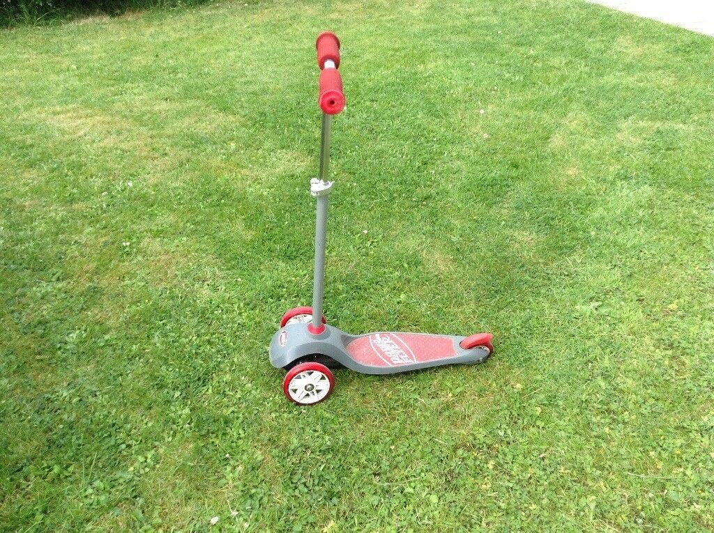 Kids 3 Wheeled Red Silver Radio Flyer Scooter 2 5 Years Approx