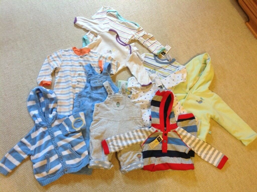 NEW & Like NEW: Huge Selection of Branded Unisex/Baby Boy Baby Clothes: 0 - 9 months