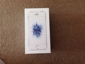 iPhone SE, 32GB, Silver, in Excellent Condition, Like NEW.