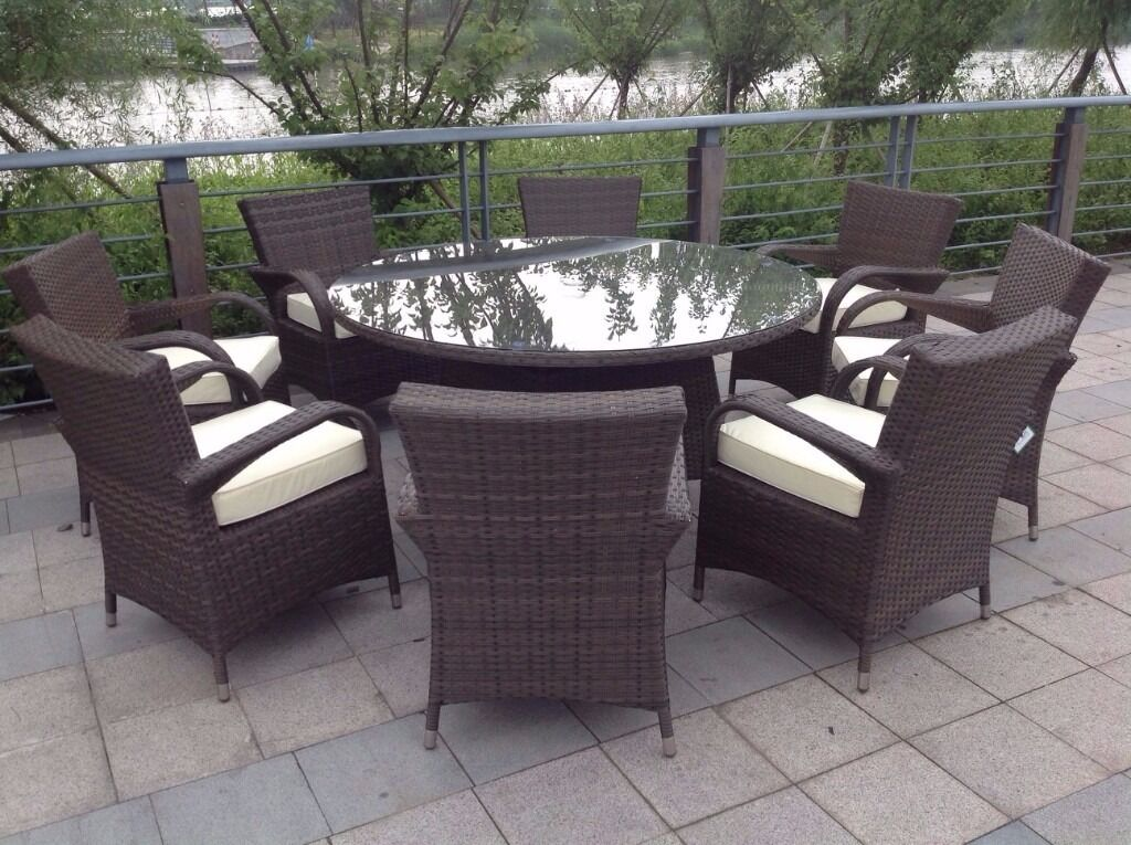 8 seater round brown rattan garden furniture dining set for Outdoor furniture gumtree