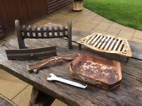 Caste iron fire grate set