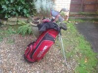 GOLF CLUBS WILSON STAFF GENTS RIGHT HANDED COMPLETE SET