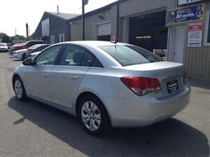2012 Chevrolet Cruze 1 OWNER OFF LEASE-MANUAL-52MPG Windsor Region Ontario image 3