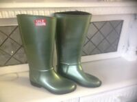Brand New Ladies Wellington fur lined Metalic Green Boots size 3