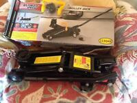 Hydraulic trolley Jack by ultimate speed