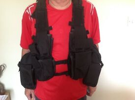 MenS adjustable tactical vest