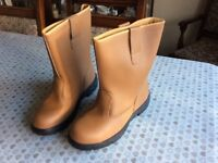 Men's tan colour rigger boots