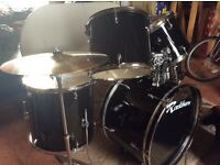 Rockburn Full Size Drum Kit in Black with Cymbal Set and Padded Adjustable Stool.....Like New!!