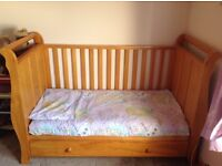 ** REDUCED **Cot bed and bedroom furniture VIB Baby range