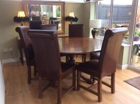 Reproduction Oak Dinning Table & Six Dinning Chairs