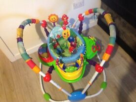 Baby bouncer activity station