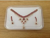 Ladies Beautiful Necklace and Earrings Set