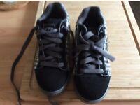 Boys size 3 heelys