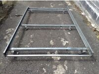ford transit connect roof rack, in very good condition. with roll bar