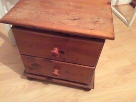 Pine bedside 2 drawer chest