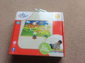 Farm floor 36 piece puzzle in as new condition