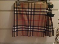 Burberry authentic women's girls short skirt size 8 , 10
