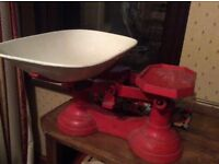 Vintage weighing scales, cast iron. Not repro