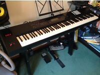 Roland FA 08 Workstation / Synthesiser / Stage Piano with Pedals