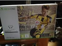 BRAND NEW WHITE 500GB XBOX ONE CONSOLE WITH FIFA 17
